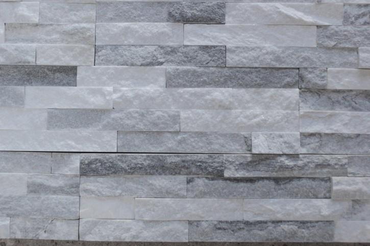 Muster Naturstein Quarzit Riemchen Verblender in grau-weiß