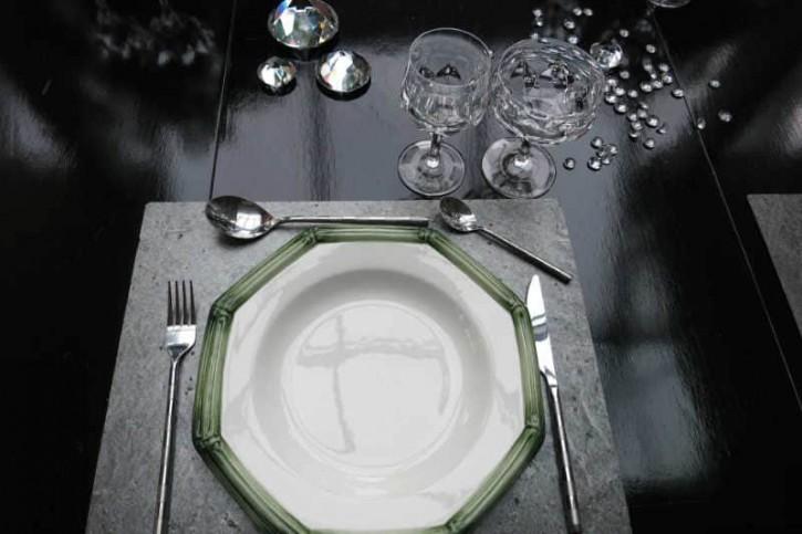 "Schiefer Tischset 40 x 30 cm rechteckig aus Schiefer-Furnier <br class=""ansicht"" /> -- Ocean black --"