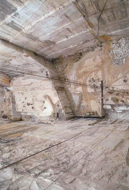 marmor fliesen sockel carrara marmorfliesen und marmorsockelleisten. Black Bedroom Furniture Sets. Home Design Ideas